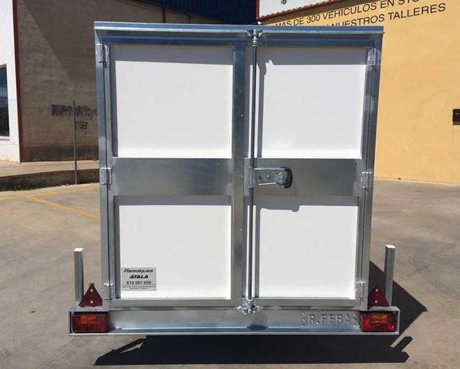Remolque-furgon-cerrado-tablero-fenolico-pvc-1-eje-con-freno---REMOLQUES-AYALA--