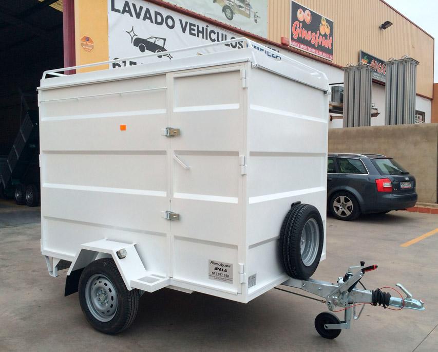 Remolque-furgon-cerrado-CHAPA-PLEGADA-+-techo-elevable-1-eje-con-freno---REMOLQUES-AYALA--1