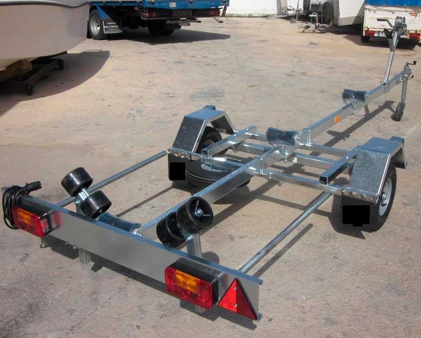 Remolque-náutico-4-metros-+-1-metro-guia-de-luces-extensible-1